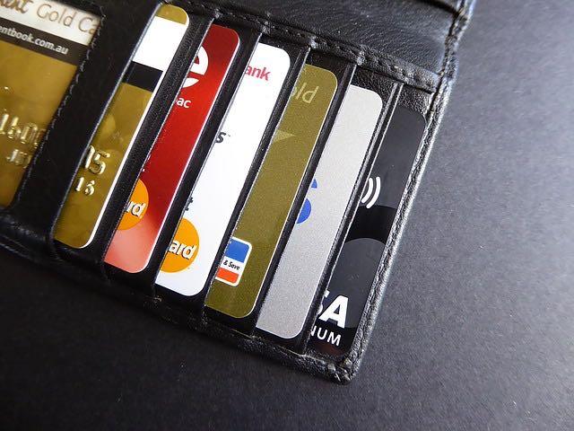 Cartão de crédito pode gerar dívidas impagáveis...ou não.