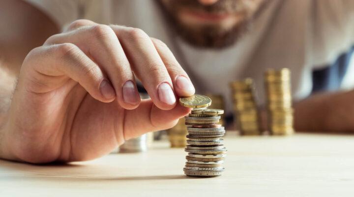 Como economizar e guardar dinheiro em 2021